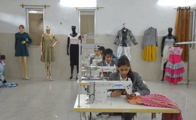 Fashion Designing in DBGI Dehradun (9)-min